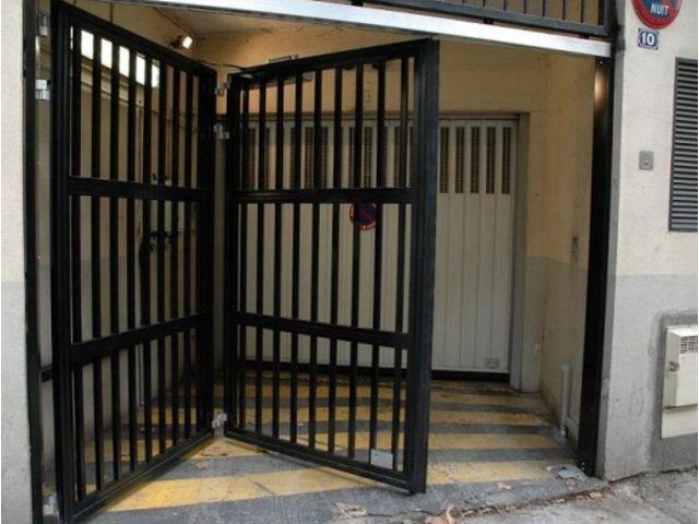 Portes de garage en accord on safir w702 baro pluo for Porte de garage safir