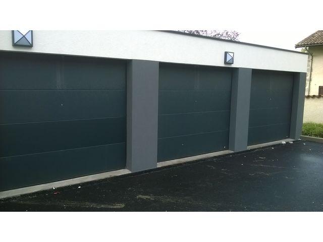 Portes de garage sectionnelles safir rumba contact safir for Porte de garage safir