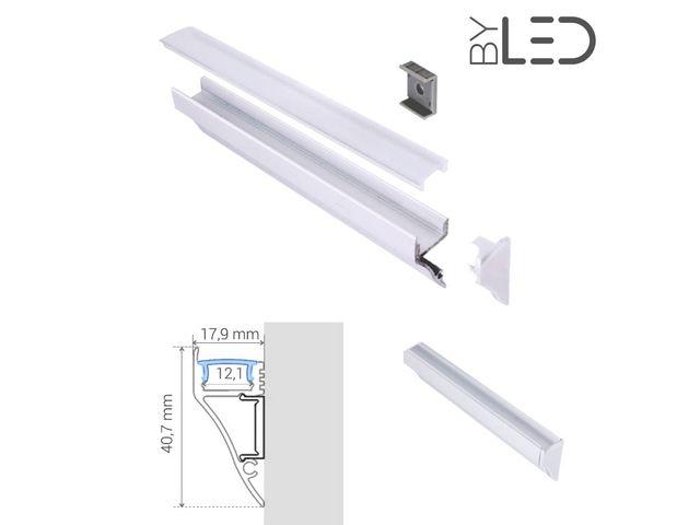 profil aluminium corniche laqu blanc pour ruban led craft m01 contact france led diffusion. Black Bedroom Furniture Sets. Home Design Ideas