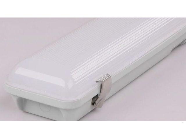 affordable rglette tanche led ip cm w k blanc with reglette neon etanche. Black Bedroom Furniture Sets. Home Design Ideas