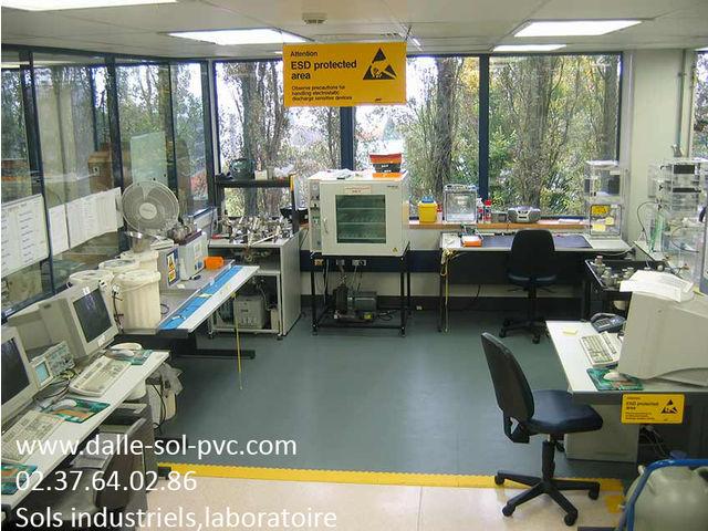 Rénovation sol bureaux contact dalle sol pvc une activité