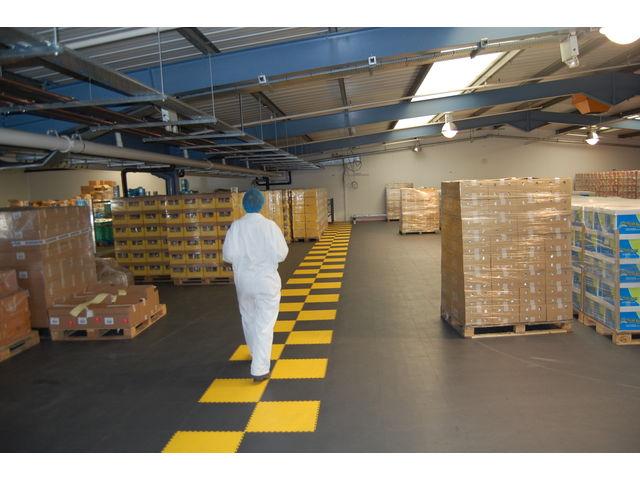 Revetement de sol industriel atelier dalle pvc clipsable for Revetement de sol pvc clipsable