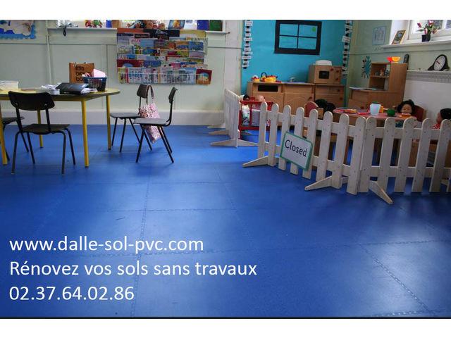 Revetement de sol petite enfance contact dalle sol pvc for Dalles adhesives pour sol