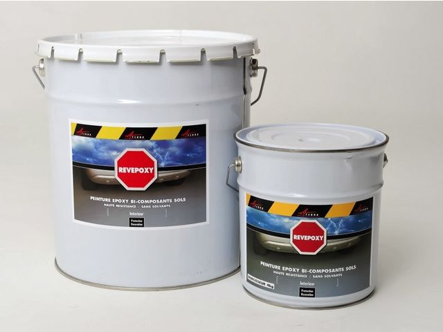 Rev tement epoxy pour sol de garage contact arcane industries for Peinture de sol pour garage