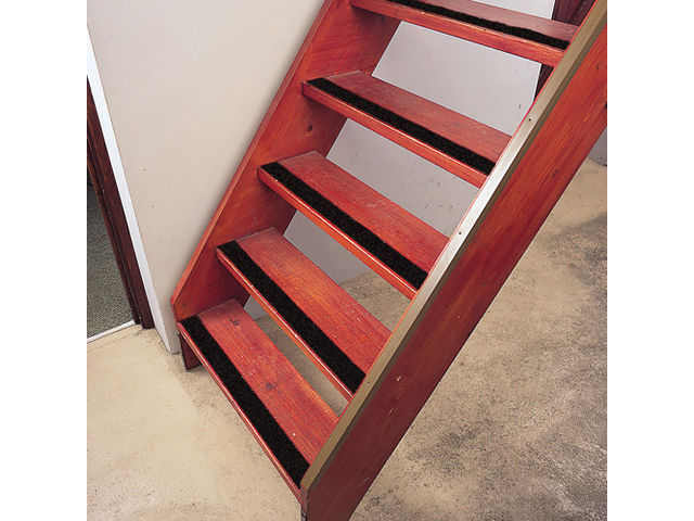 Rev tement escalier ruban super agrippant autoadh sif for Antiderapant escalier interieur