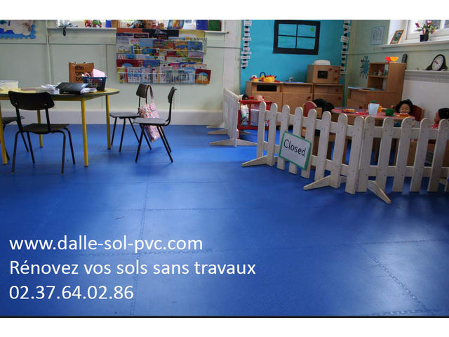 revetement sol pour salle de classe contact dalle sol pvc com une activit apara. Black Bedroom Furniture Sets. Home Design Ideas