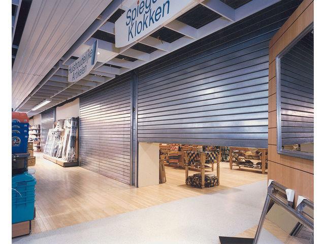 porte de s curit pour commerce fournisseurs industriels. Black Bedroom Furniture Sets. Home Design Ideas