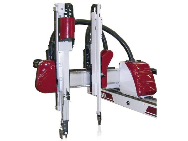 Robots CNC petits modèles W818T et W818TS de la marque WITTMANN BATTENFELD