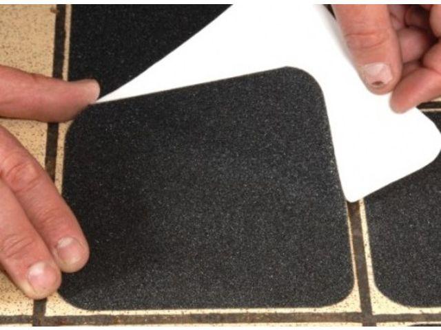 revetement anti derapant adhesif. Black Bedroom Furniture Sets. Home Design Ideas