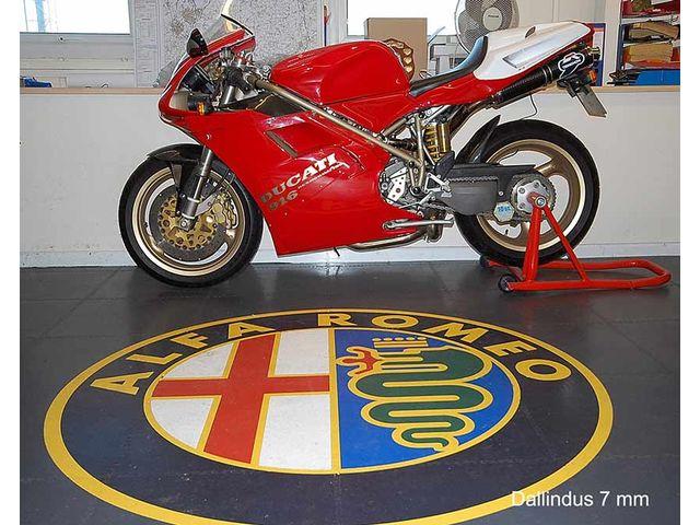 Sol garage moto contact dalle sol pvc com une activit for Garage moto marseille