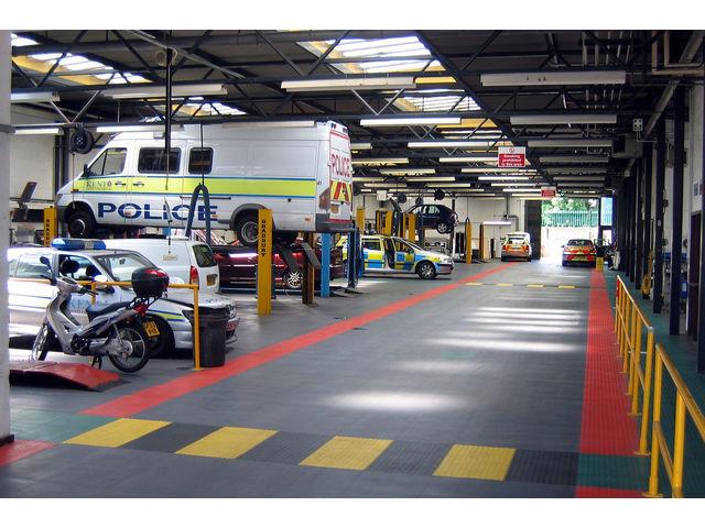 Sol garage poids lourds contact dalle sol pvc com une for Garage poids lourds angers