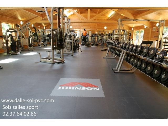 sol salle sport musculation contact dalle sol pvc com une activit apara. Black Bedroom Furniture Sets. Home Design Ideas
