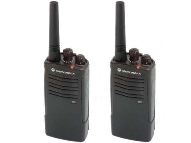 talkies walkies professionnels pack de 2 motorola xtni. Black Bedroom Furniture Sets. Home Design Ideas