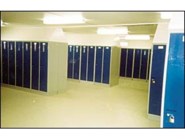 Vestiaires industriels contact courant sa for Vestiaires industriels
