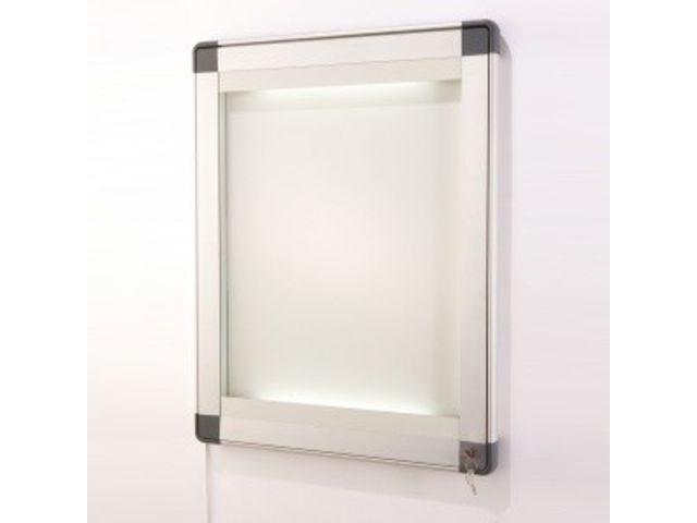 vitrine clair e reglettes led sable contact roll co. Black Bedroom Furniture Sets. Home Design Ideas