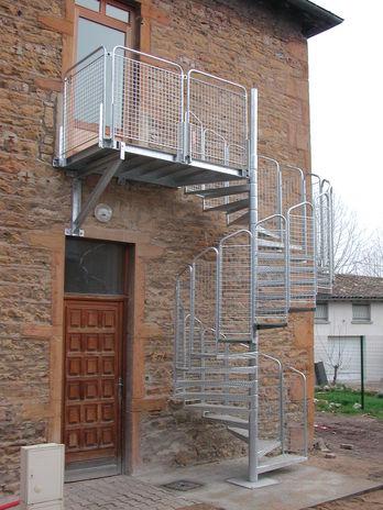 Escalier h lico dal contact bombrun les escaliers du for Escalier helicoidal exterieur