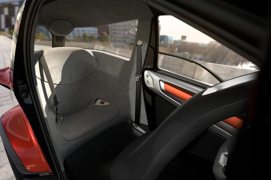 Cette mini-voiture électrique annonce le début de la mobilité partagée ! By DETOURS 000742610_illustration_large