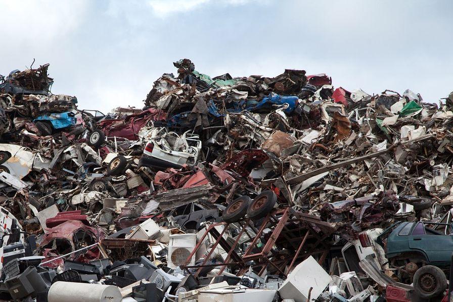 Des conteneurs de déchets illégalement importés renvoyés vers la France — Indonésie