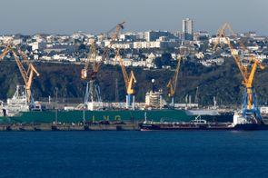 Le tribunal de commerce de brest choisit damen pour sauver - Surplus militaire brest port de commerce ...