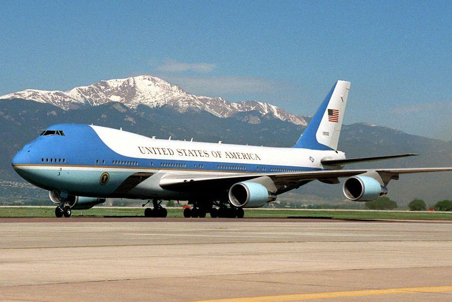 vente chaude en ligne a1bb6 04272 Comment deux Boeing 747 abandonnés en plein désert vont ...