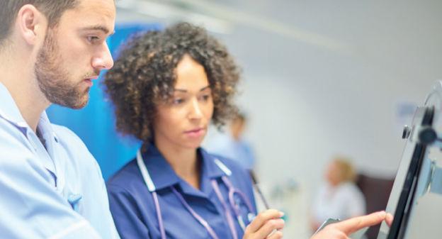 Entrés dans les établissements de santé, les objets connectés font l'objet de réglementations et de normes drastiques en matière de sécurité du...-les-experts-de-l-usine - Les Experts de L'