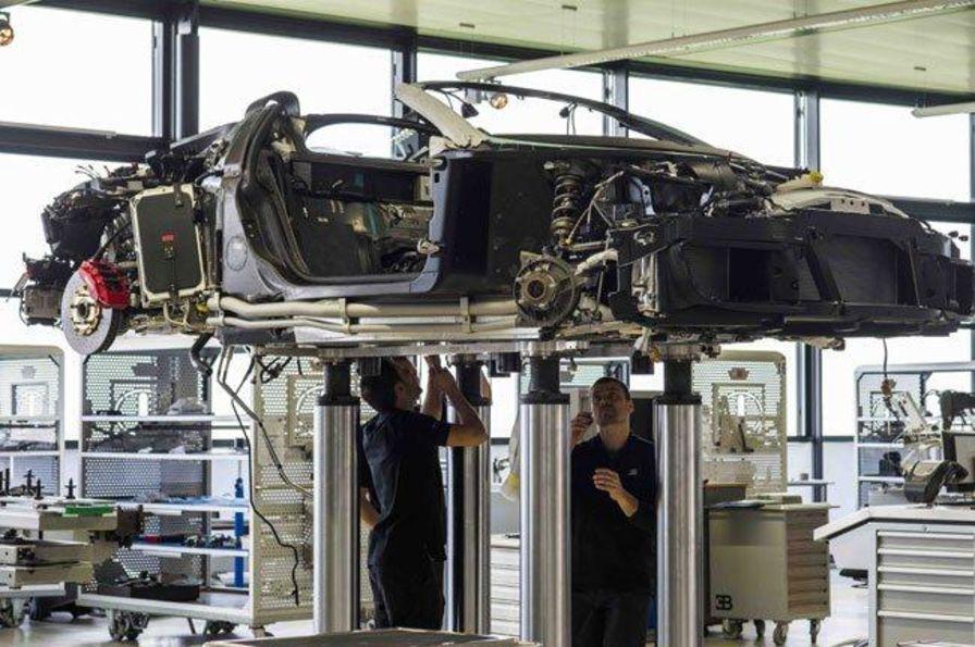 la 400ème veyron est sortie de l'usine bugatti de molsheim