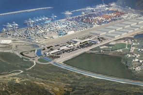 Vue aérienne du port Tanger Med