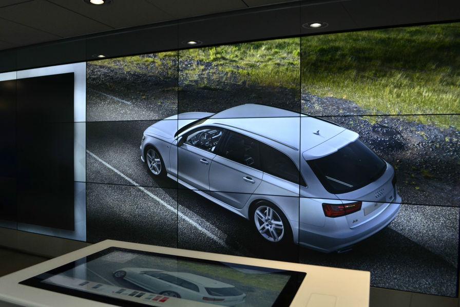 audi ouvre sa concession du futur paris l 39 usine auto. Black Bedroom Furniture Sets. Home Design Ideas