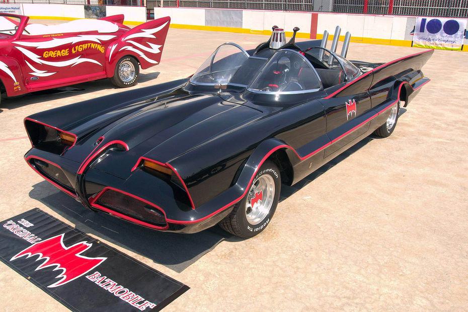 dautres versions plus anciennes de la batmobile ne demandaient toutefois pas autant deffort de conception la voiture de batman a t plusieurs fois base