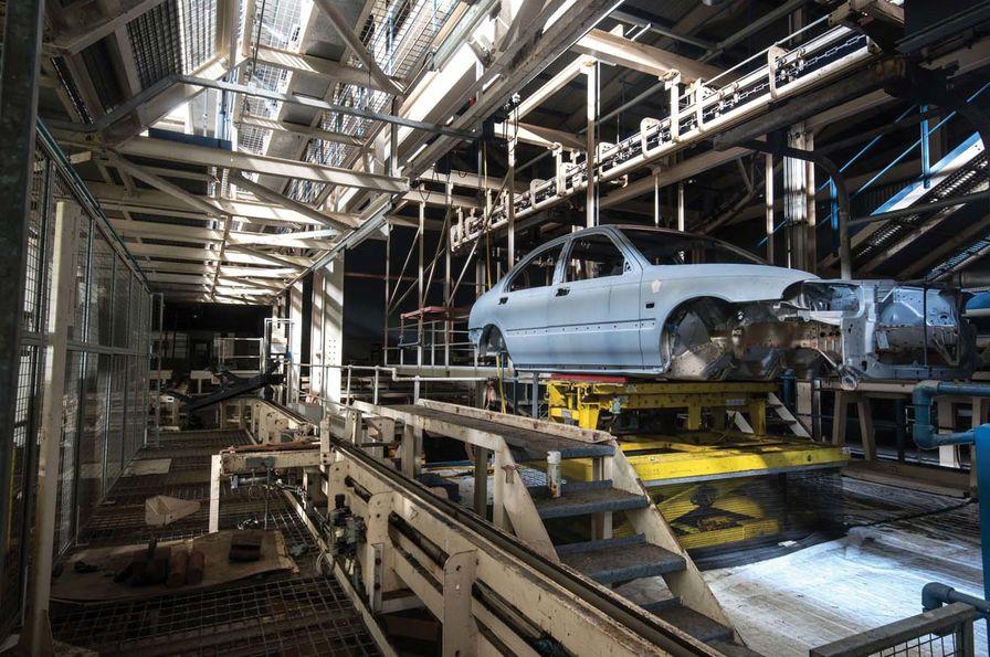 """[En images] Visite de l'usine """"fantomatique"""" de Rover à ..."""