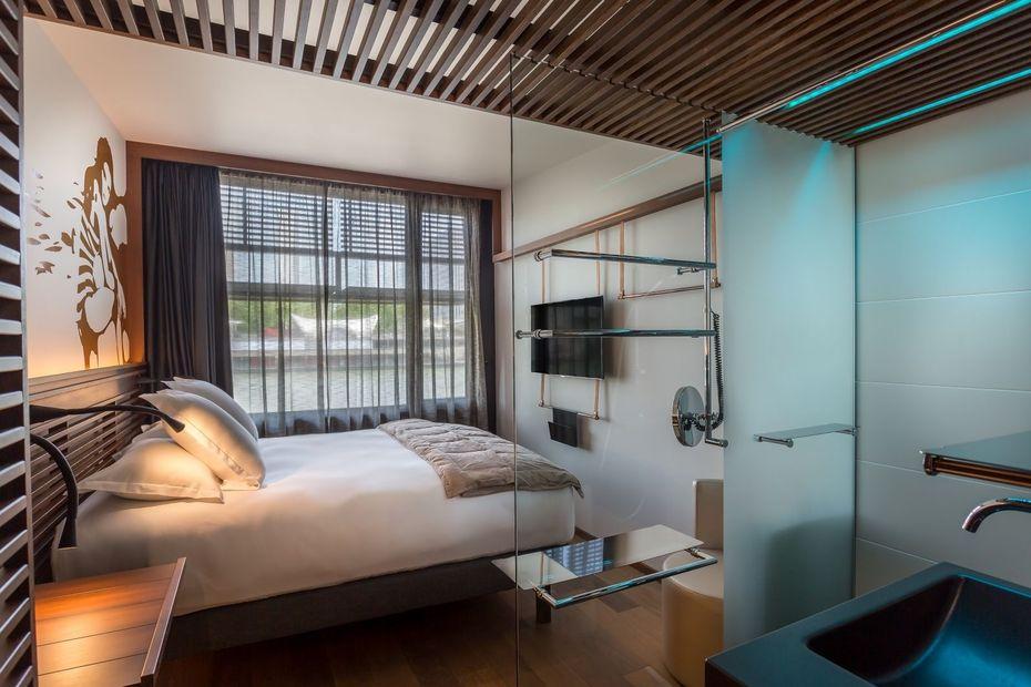 un premier h tel flottant made in france sur les quais de seine paris maritime. Black Bedroom Furniture Sets. Home Design Ideas