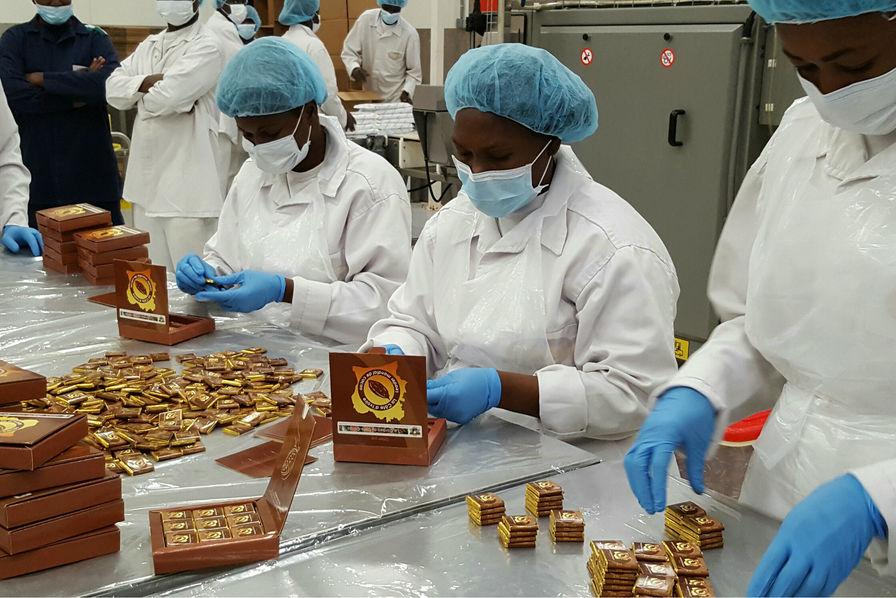 """Résultat de recherche d'images pour """"cote d'ivoire, industries du chocolat"""""""