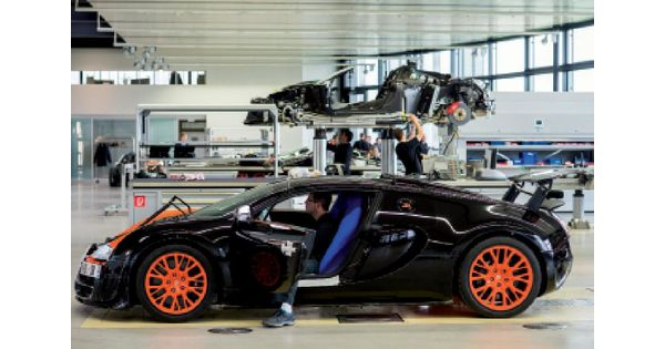 vid o l 39 assemblage de la bugatti veyron en alsace un travail d 39 orf vre l 39 usine auto. Black Bedroom Furniture Sets. Home Design Ideas