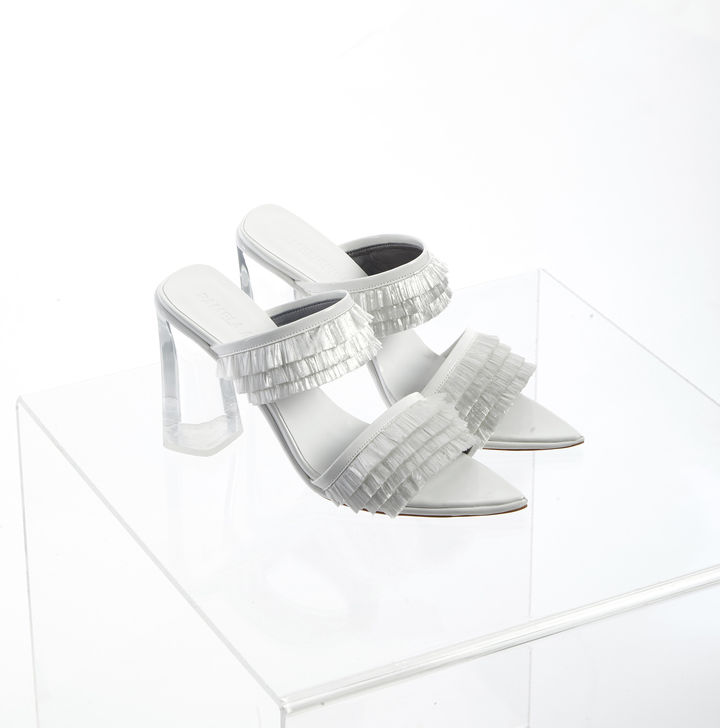 les secrets de fabrication de la chaussure made in france enfin r v l s textile habillement. Black Bedroom Furniture Sets. Home Design Ideas