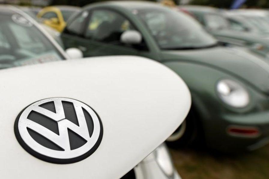 Scandale VW: une première firme allemande attaque Volkswagen