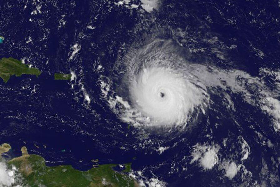 Maryline attend des nouvelles de sa famille à Saint-Martin — Ouragan Irma