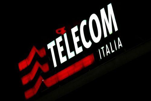 Le bras droit de Berlusconi en visite à Telecom Italia -source