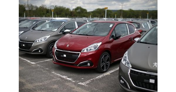 la future peugeot 208 aura une version lectrique mais peu de diesel infos reuters. Black Bedroom Furniture Sets. Home Design Ideas