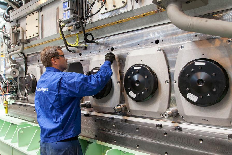 rolls royce construira les moteurs du premier navire destin une mine sous marine l 39 usine. Black Bedroom Furniture Sets. Home Design Ideas