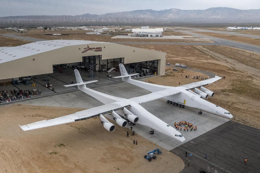 Un avion géant pour lancer des fusées dans l'espace — Stratolaunch