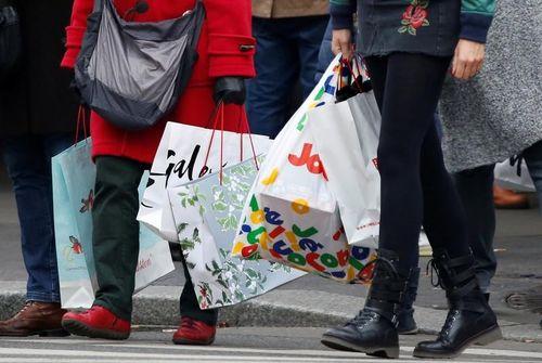 La consommation des ménages accélère en mai — France