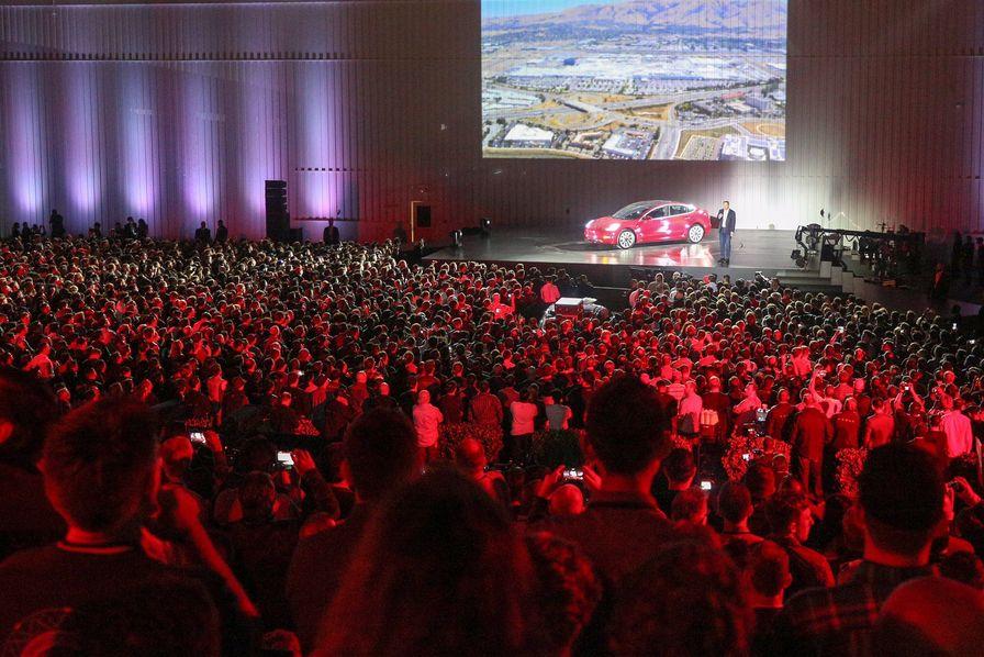 Pourquoi le Tesla Model 3 ne va pas révolutionner l'automobile électrique