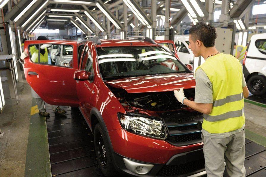 Maroc l 39 usine renault de tanger livre son 400 000e v hicule l 39 usine maroc - Usine de meuble au portugal ...