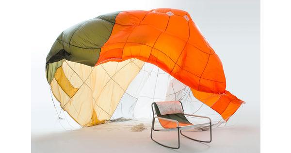 [L'industrie c'est fou] Quand les parachutes sont recyclés en meubles et en habits