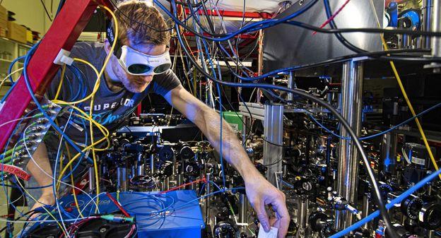 [L'instant tech] Pour la première fois, un calcul quantique est opéré par deux qubits ... à distance - L'Usine Nouvelle