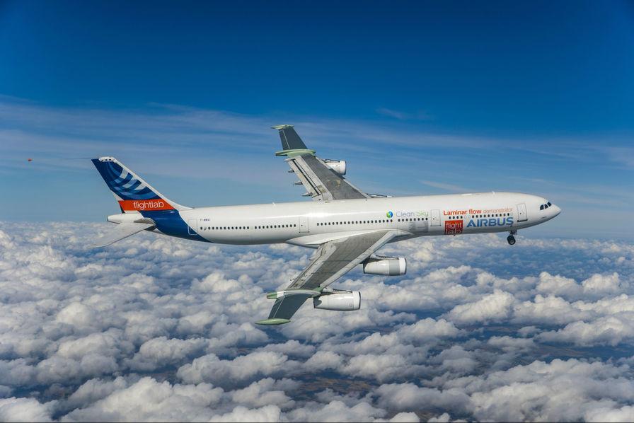 A340 ... Il vit encore un peu ! - Page 7 Airbus-a340-blade-a-ailes-laminaires