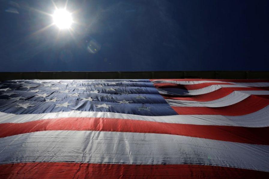 93045bb7f8a90a Vingt-deux Etats américains demandent de rétablir la neutralité du ...