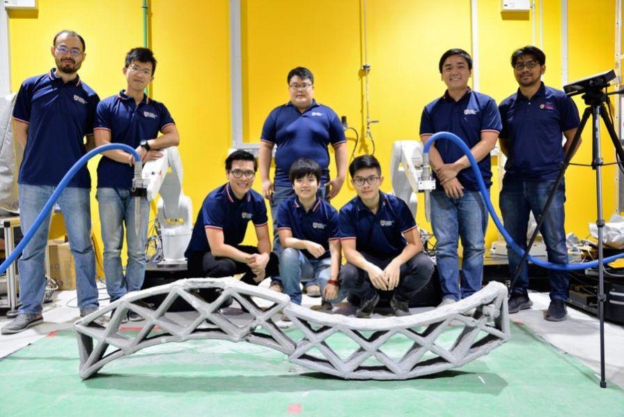 [Vidéo] Deux robots se synchronisent pour imprimer en 3D du béton