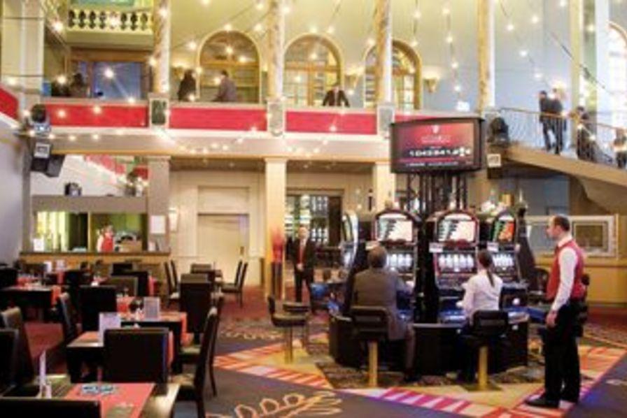 un casino c 39 est aussi une usine. Black Bedroom Furniture Sets. Home Design Ideas