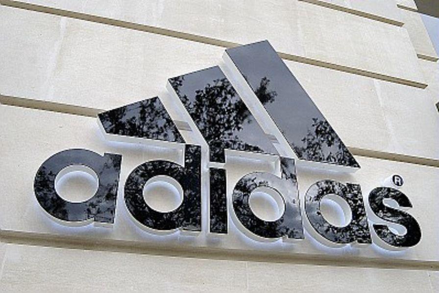 plus récent a5847 375bf Nike et Adidas accusés d'